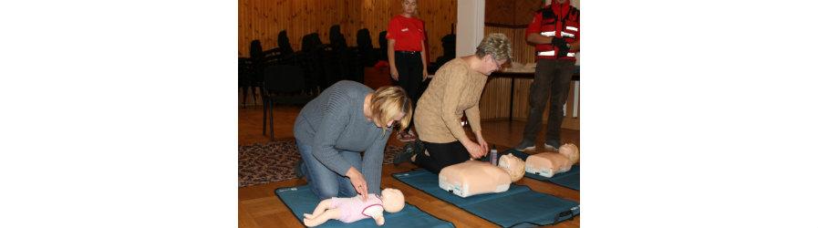 Pokaz udzielania pierwszej pomocy dla KGW i mieszkańców Rymanowa