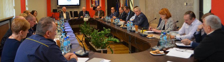 Posiedzenie Powiatowego Zespołu Zarządzania Kryzysowego oraz Komisji Bezpieczeństwa i Porządku dla Miasta Krosna  i Powiatu Krośnieńskiego